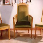 kolme_tuolia